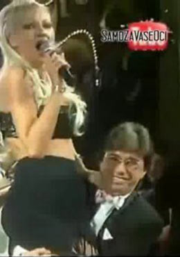 Как Popović прегръщаше Karleuša…