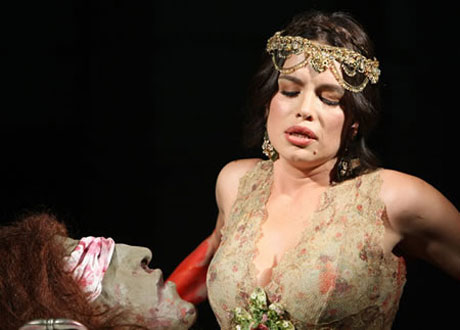 Severina се завръща на театралната сцена