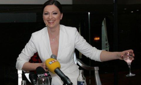 Nina Badrić крала шоколадчета