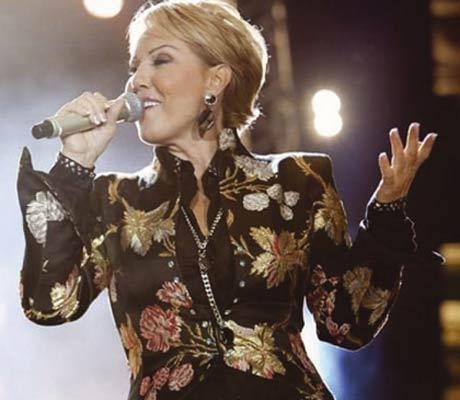 Lepa Brena отново пее в Скопие!
