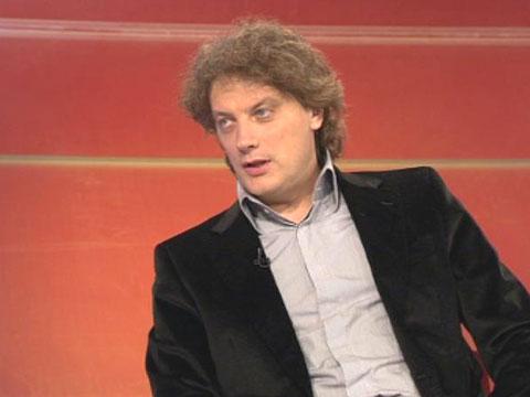 Tonči Huljić осъден за плагиатстване, грозят го 100 дни затвор!