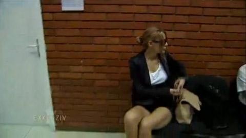 Ana Nikolić – в съда със секси шорти!