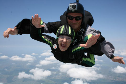 Goca Tržan скочила от 3 000 метра височина!