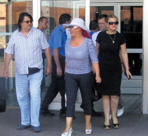 Скандал – забранили на Zorica да влезе в съда!