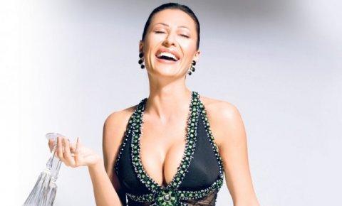 Ceca ще издаде две песни за Нова година