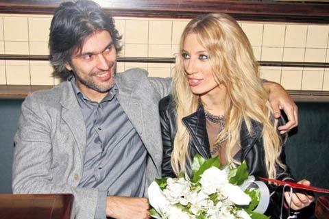 Щъркелите дойдоха – Ana Stanić роди син!