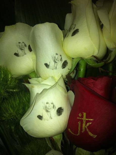 Jelena Karleuša получи рози с лика си!