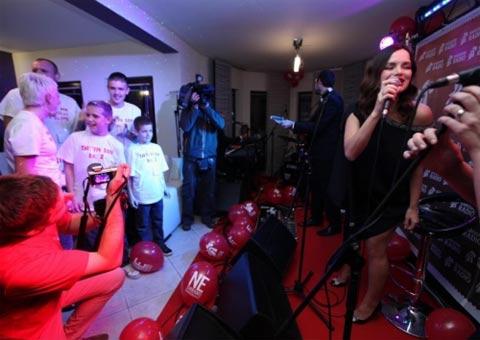 Severina пя в къщата на най-горещия си почитател