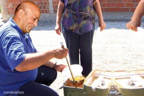 Džej Ramadanovski храни гладните дорчолци!
