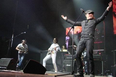 """Plavi orkestar"", ""Van Gogh"", ""Galija"" и Sergej Ćetković в Белград за посрещането на Новата 2012 година"