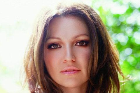 Nina Badrić ще представя Хърватска на Евровизия 2012