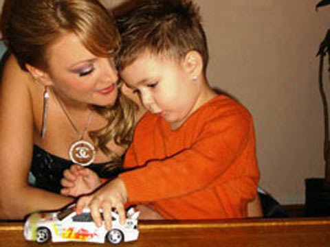 Biljana Sečivanović със сина си Matej