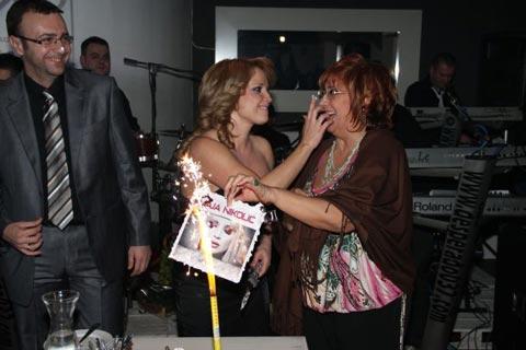 Maja Nikolić промотира клип и албум Sudbino