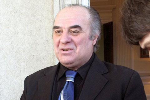 Miki Jevremović се сгодил за едната сестра, а се оженил за другата