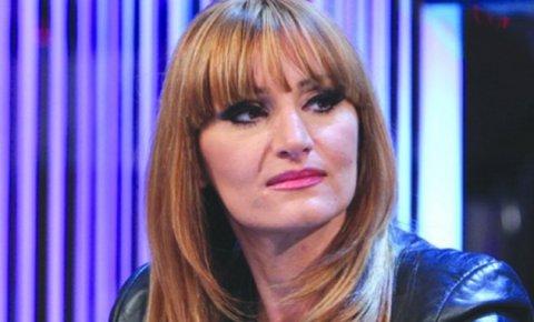Mira Škorić се завръща