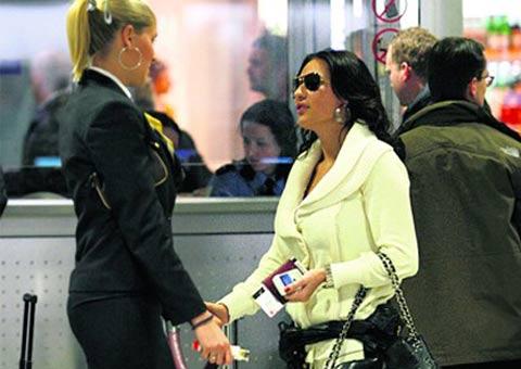 Ceca Ražnatović получи паспорт и отлетя за Кипър