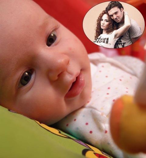 Най-накрая: Jelena Tomašević показа снимка на дъщеричката си