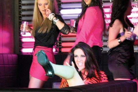 Певицата на група Luna ухапана от скорпион