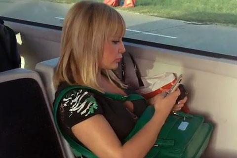 Maja Nikolić в градския транспорт