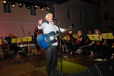 Kemal Monteno не пя на фестивала в Сплит