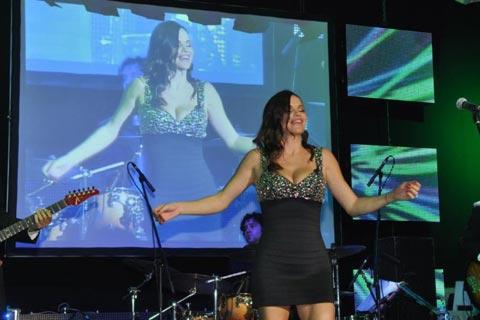 Отново на сцената: Severina пя след 10 месеца пауза