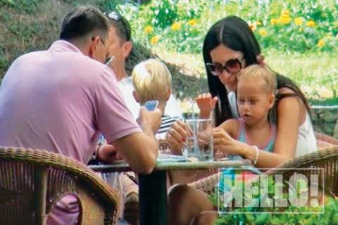Sergej Ćetković осинови още едно момиченце