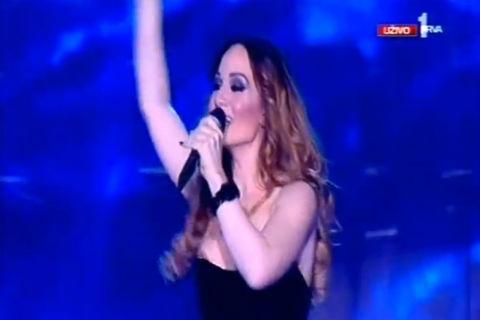 На Jelena Tomašević й се показаха гърдите