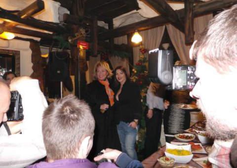 Seka Aleksić спретна традиционната си предновогодишна вечеря за приятели, колеги и журналисти