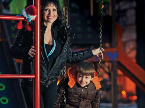 Maja Nikolić продължава борбата за попечителството над сина си