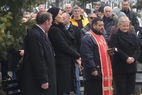 Ceca Ražnatović на помен на съпруга си Arkan