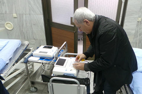 Željko Samardžić дари CTG апарати на АГ клиника