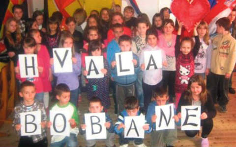 Boban Rajović пее за децата