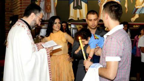 Tanja Savić кръсти сина си