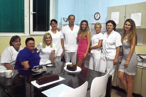 Rada Manojlović отпразнува рождения си ден в болницата