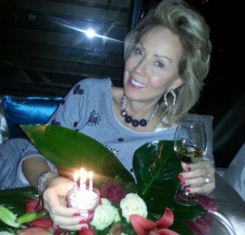 Lepa Brena празнува 53-я си рожден ден