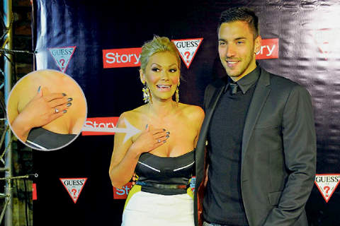Slavica и Nataša се похвалиха с годежните си пръстени