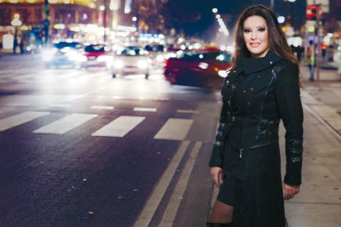 Dragana Mirković бележи 30 години на естрадата