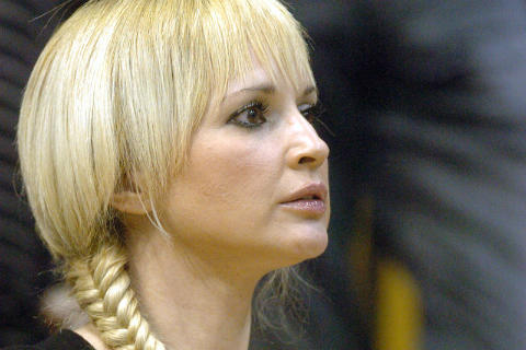 Почина майката на Maja Nikolić