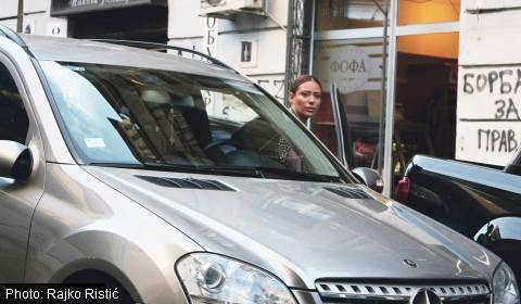 Паяк вдигна колата на Ana Nikolić