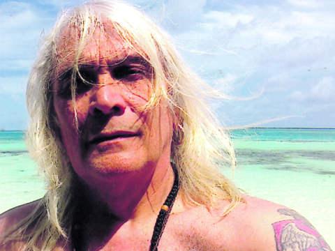 Bora Čorba на Малдивите се сгоди за словенка