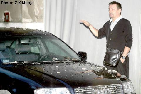 Бурята повредила автомобила на Keba