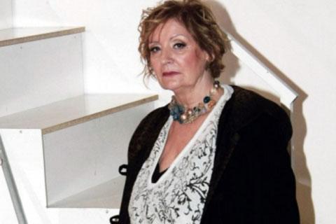 """Lepa Lukić била """"закопчана"""" 32 часа на летището в Лондон"""