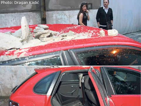 Бурята повредила автомобила на Rada Sarić