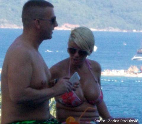 Dara летува в Черна Гора, а мъжът й в Турция