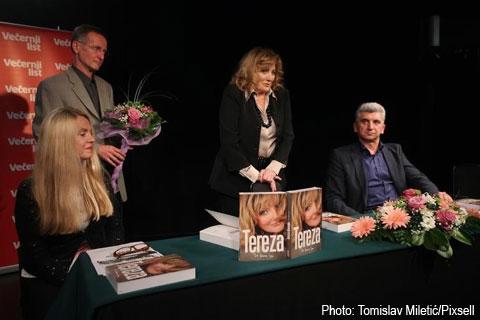 Tereza Kesovija представи автобиографията си