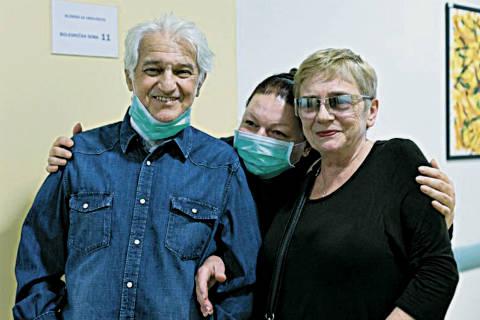Kemal Monteno излезе от болницата