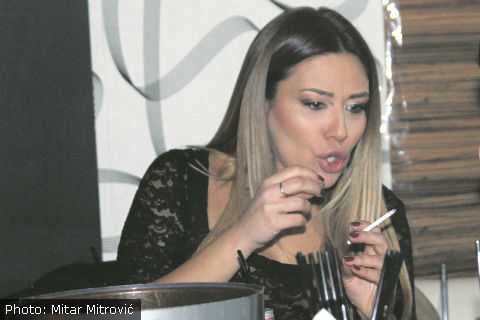 Ana Nikolić пише книга