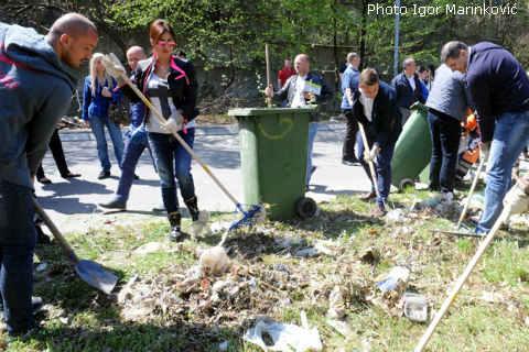 Ceca се включи в акцията по почистване на Белград
