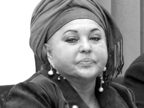 Почина Esma Redžepova