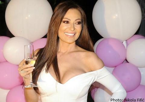 Ceca отпразнува 44-я си рожден ден